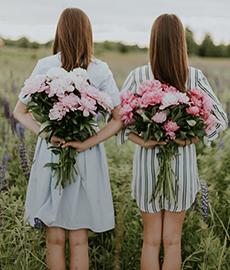 Soltera en una boda: ¿dramón o planazo?