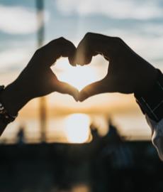 ¿Se puede encontrar el amor verdadero en AdoptaUnTío?